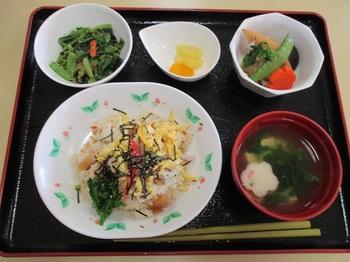201803雛祭り昼食.jpg